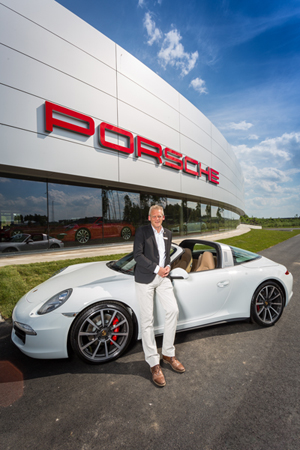 Porsche_center_1_webb